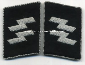 Question about double runes collar tabs