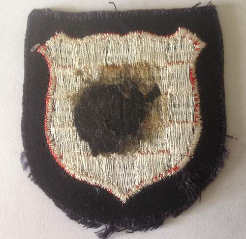 Need some advice , is this Croatia Volunteer Shield real or fake ??
