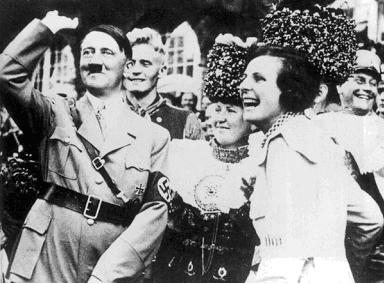 Name:  Hitler-Riefenstahl.jpg Views: 264 Size:  117.3 KB