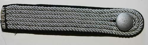 Click image for larger version.  Name:Shoulderboard Allg. Off. 4A - Arthur Hayes $ 350,-.jpg Views:12 Size:79.6 KB ID:879600