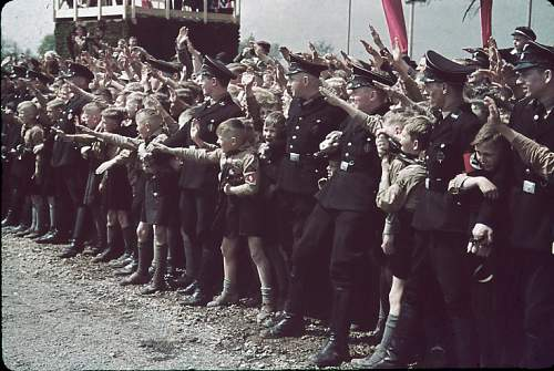 Click image for larger version.  Name:131101-adolf-hitler-volkswagen-ceremony-1938-a.jpg Views:59 Size:56.5 KB ID:917301