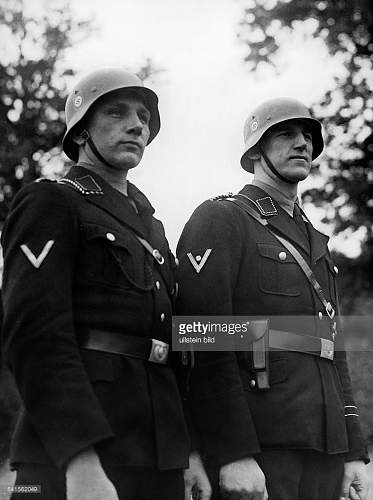 Getty images  Ullstein photo of SD NCOs in helmet
