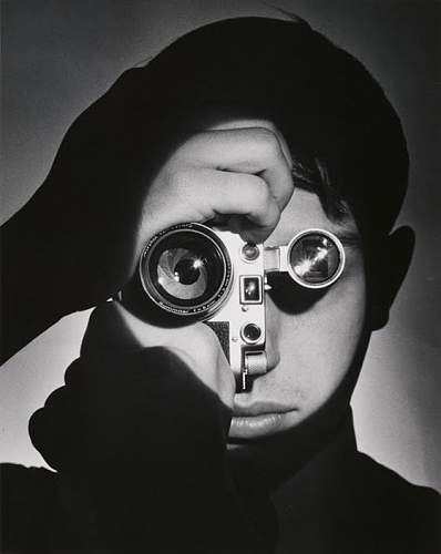 Click image for larger version.  Name:Andreas Feininger, The Photojournalist, 1951.jpg Views:17 Size:44.7 KB ID:924677