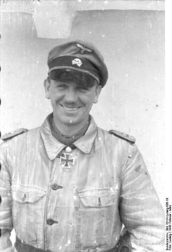 Click image for larger version.  Name:Bundesarchiv_Bild_101III-Ludwig-006-19,_Kurt_Meyer.jpg Views:8 Size:40.7 KB ID:924719