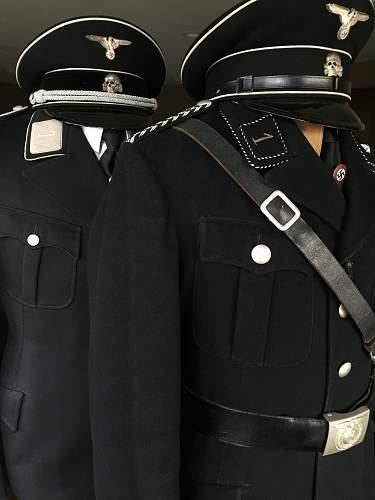 Brown or white shirt worn under Allegemeine-SS tunic?