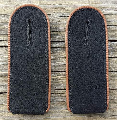 KZ EM shoulder boards ...   these look legit!
