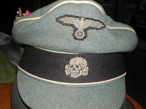 Click image for larger version.  Name:1 field cap badges .jpg Views:2477 Size:140.4 KB ID:93237