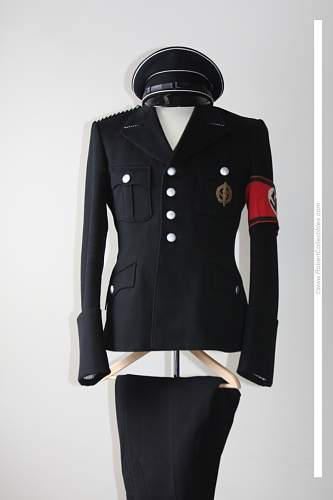 Click image for larger version.  Name:black%20tunic1.jpg Views:4475 Size:38.2 KB ID:95787