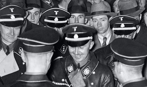 Click image for larger version.  Name:Himmler giggles .jpg Views:34 Size:73.4 KB ID:966187