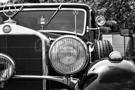 Name:  27732218-berlin--may-11-detail-of-the-car-mercedes-benz-320-w142-black-and-white-26th-oldtimer-t.jpg Views: 113 Size:  54.7 KB