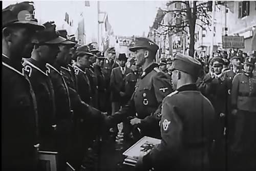 Click image for larger version.  Name:Heydrich in der Innenstadt 1.jpg Views:31 Size:74.8 KB ID:980157