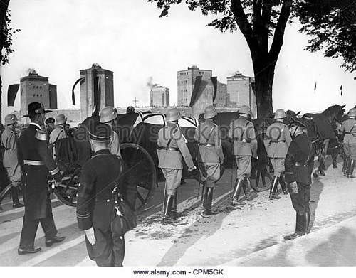 Click image for larger version.  Name:burial-of-paul-von-hindenburg-1934-cpm5gk.jpg Views:20 Size:73.6 KB ID:982529