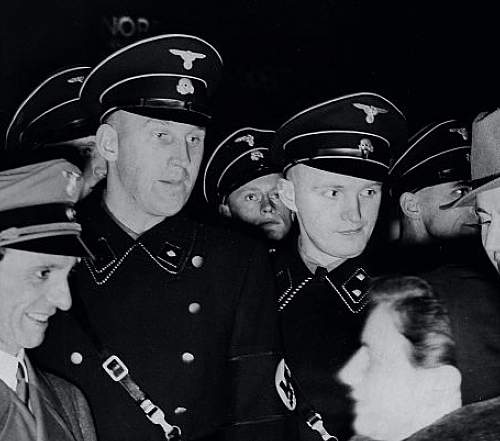 Click image for larger version.  Name:Goebbels and his hats .jpg Views:15 Size:181.0 KB ID:988448