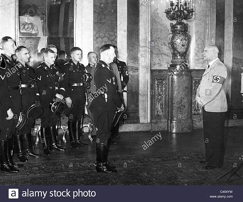 Click image for larger version.  Name:himmler-congratulated-frick-on-his-birthday-C454YW copy 2.jpg Views:11 Size:188.5 KB ID:988612