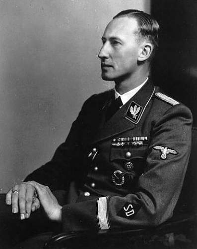 Click image for larger version.  Name:heydrich ring error.jpg Views:90 Size:27.0 KB ID:991681