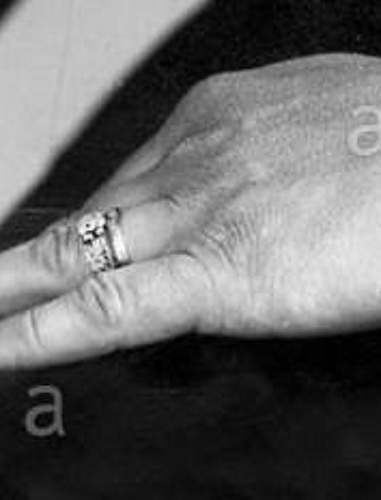 Click image for larger version.  Name:bouhler ring 2.jpg Views:27 Size:50.4 KB ID:991688