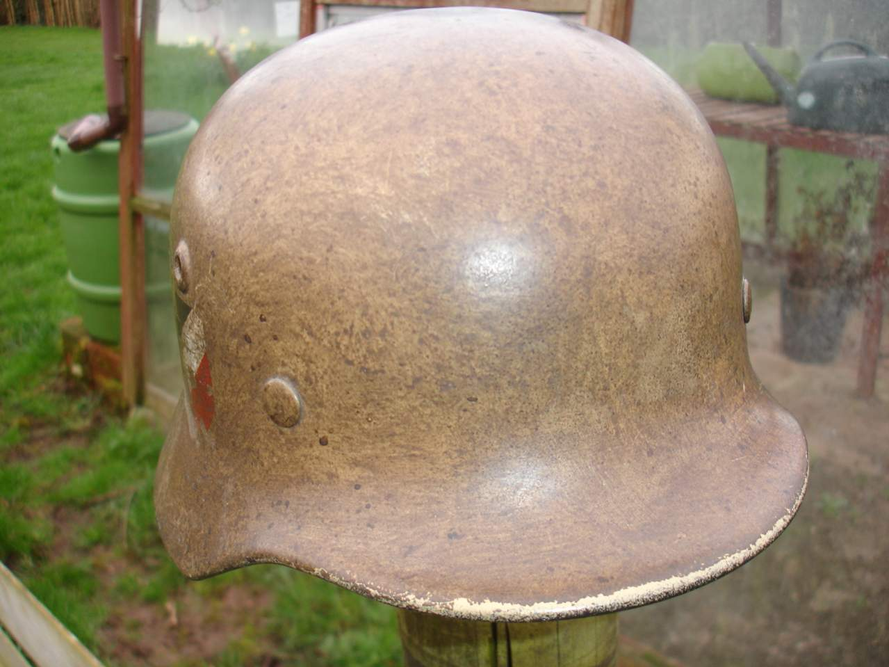 M40 DD Heer WW2 German helmet Sudfront tropical