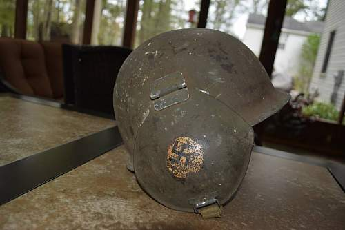 Unknown helmet needing identification