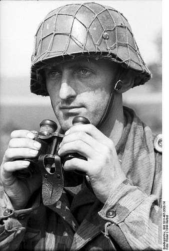 Click image for larger version.  Name:404px-Bundesarchiv_Bild_101I-497-3503-14%2C_Holland%2C_Soldat_mit_Fernglas[1].jpg Views:818 Size:42.3 KB ID:123756