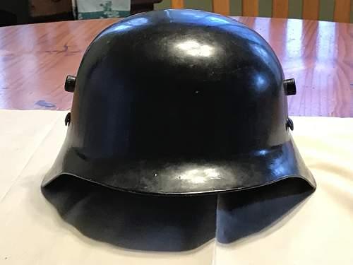 Need help identifying a World War 2 German helmet.