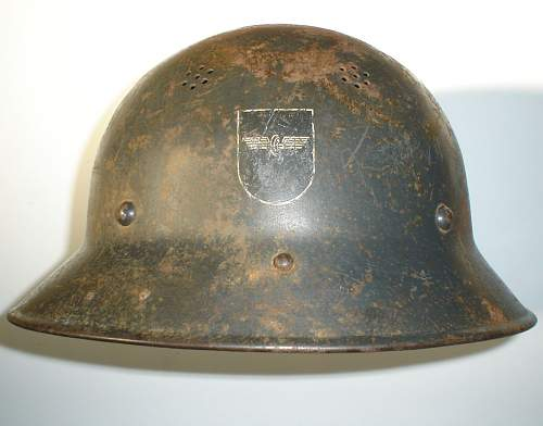 Bahnschutz helmet