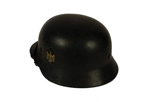 auction DD army helmet,,,opinions wanted