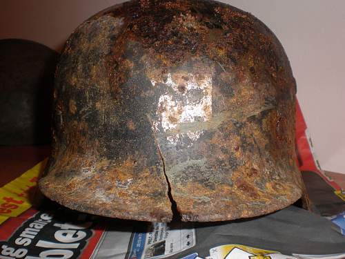 What kind of german helmet is this?? 3 decal?