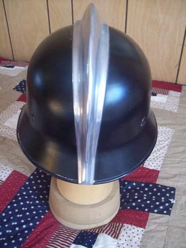 WWII German double decal helmet help?