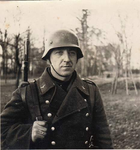 Click image for larger version.  Name:Opa in his helmet.jpg Views:119 Size:138.2 KB ID:176605