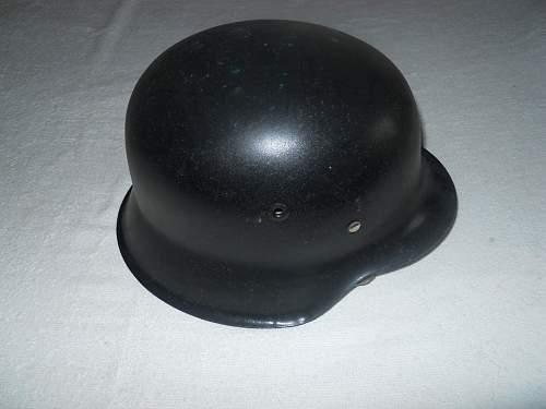 Click image for larger version.  Name:Combat helmet M42 left.jpg Views:49 Size:243.5 KB ID:180215