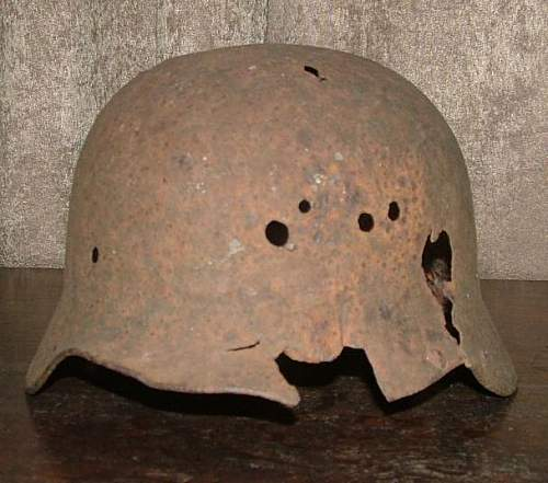 Click image for larger version.  Name:German_Helmet_2b.jpg Views:93 Size:50.7 KB ID:186516