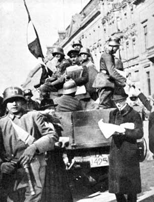 Name:  brigade_ehrhardt_1920_web.jpg Views: 2185 Size:  21.7 KB