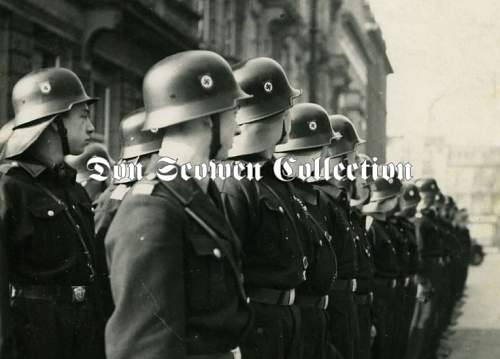 Click image for larger version.  Name:helmets.jpg Views:275 Size:52.4 KB ID:191430