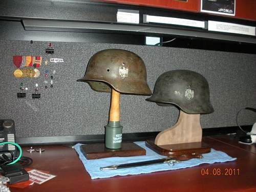 Click image for larger version.  Name:Helmet Stands3.jpg Views:118 Size:62.3 KB ID:194600