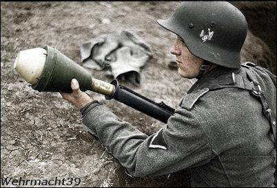Name:  hj-soldiers-antitank.jpg Views: 1802 Size:  38.1 KB