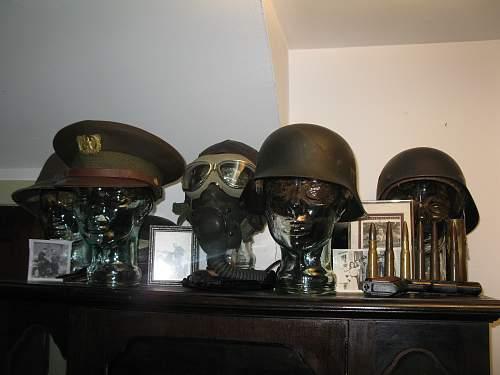 Click image for larger version.  Name:helmet display 002.jpg Views:143 Size:244.2 KB ID:230536