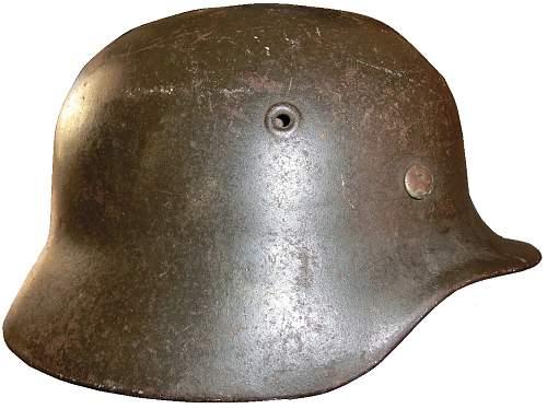 Yellowed Heer, or dirty Kriegsmarine M-40?