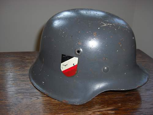 More information on this double decal Luftwaffe