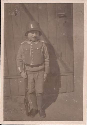 Click image for larger version.  Name:GermanBoySoldier.jpg Views:102 Size:30.0 KB ID:306939