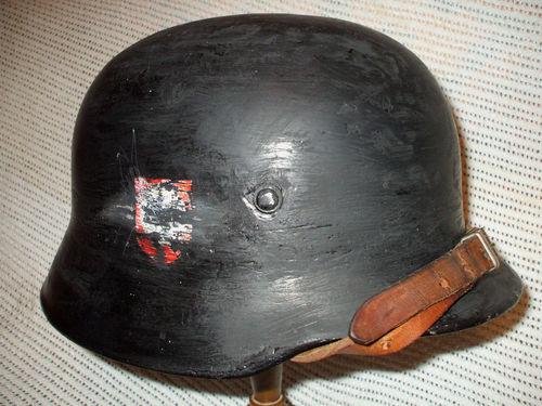 Ebay stahlhelm: Defaced decals - please tell me it's a fake