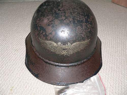 New member, help with Luftschutz Helmet?