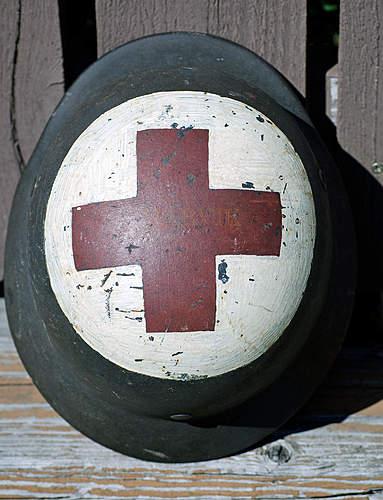 M40 Q62 Kriegsmarine medic helmet