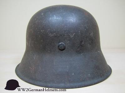 Name:  M1942-Heer-German-Helmet-1962-back-s.jpg Views: 272 Size:  43.4 KB