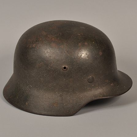 Name:  Picture helm 004.jpg Views: 166 Size:  37.6 KB