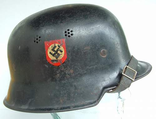 Click image for larger version.  Name:police helmets (14).JPG Views:102 Size:137.3 KB ID:43658