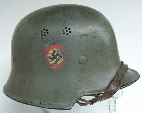 Click image for larger version.  Name:police helmets (21).JPG Views:93 Size:131.3 KB ID:43672