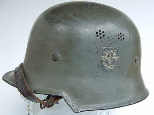 Click image for larger version.  Name:police helmets (25).JPG Views:112 Size:153.1 KB ID:43673