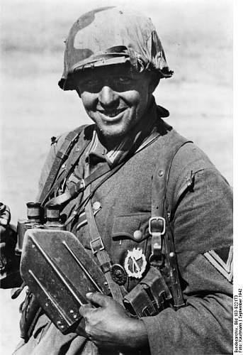 Another Stalingrad helmet cover, cheers Lars.