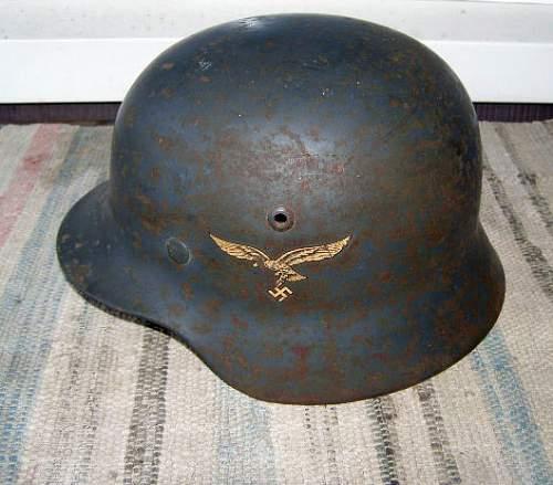 M35 DD Luftwaffe helmet SE62 Lot 3884 for review please