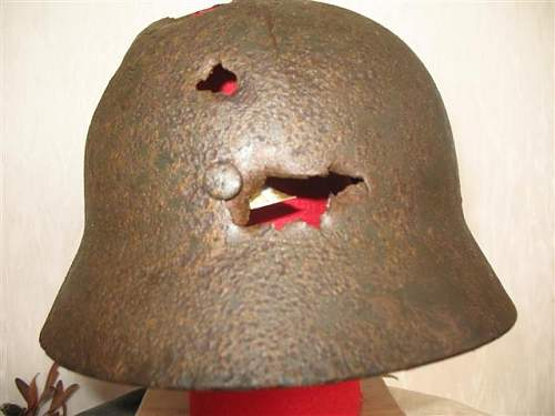 Click image for larger version.  Name:helmet collection 112 (Small).jpg Views:90 Size:41.1 KB ID:48784